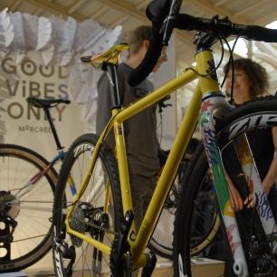 Mercredi team bike